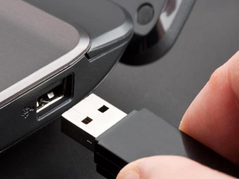 Thực hiện cài trực tiếp từ USB